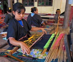 Lombok Weavers At Work