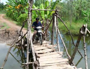 Local Style Lombok Engineered Bridge