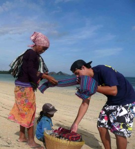 Negotiating With Lombok Local Beach Vendor